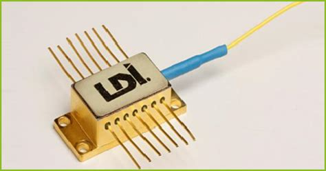 high power dfb laser diode eluxi scw high power 1550nm dfb cw lasers