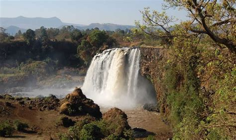 famous waterfalls in the world top 10 greatest waterfalls in the world