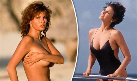 celeb topless photos raquel welch looks sexier than ever as she poses for