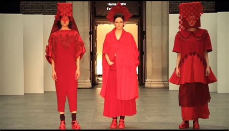 fashion design universities uk fashion designing courses in uk universities fashion today