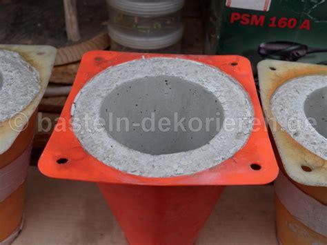 bastelanleitung f 252 r einen gartenstecker aus beton