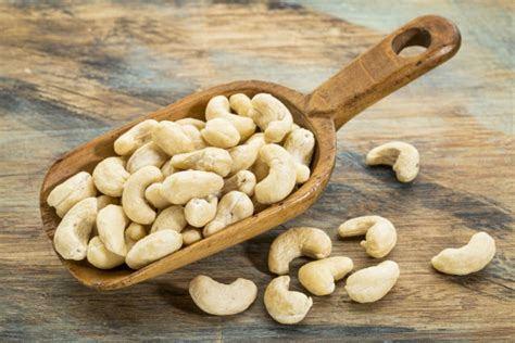 healthy fats cashews fill up on healthy with cashews
