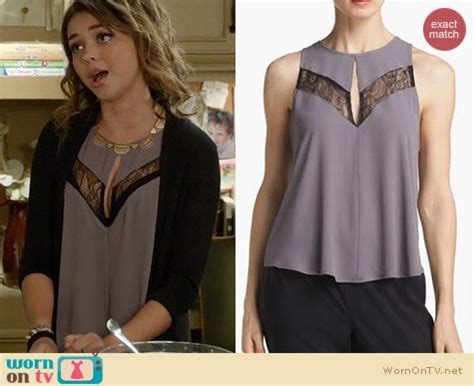 Modern Family Wardrobe by Wornontv Haley S Lace Keyhole Top On Modern Family