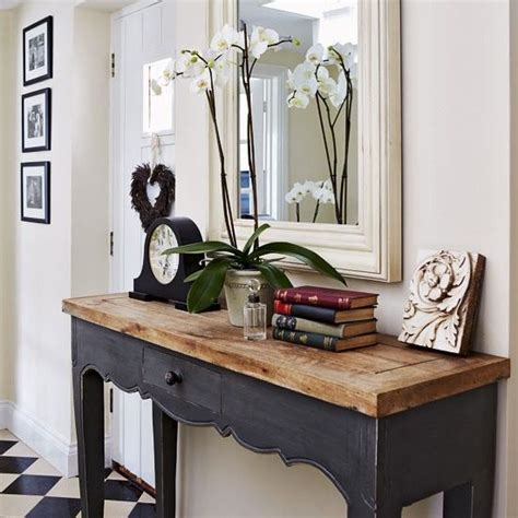 Hallway Entrance Table 17 Best Ideas About Hallway Console Table On Console Table Entrance Decor