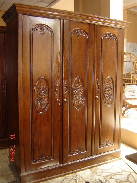 Lemari Pakaian Jati Mawar Kalung Nakas Bufet Kamar Set Dipan Sofa lemari pakaian mawar 3 pintu