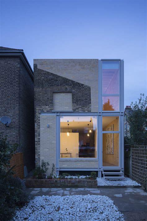 Good Narrow Terraced House Design #6: House_of_trace_tsuruta_architects_01.jpg