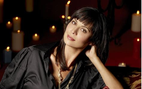 Catherine Bell Is A Big Fan Of Windows Vista by Catherine Bell Hd Wallpaper And Background