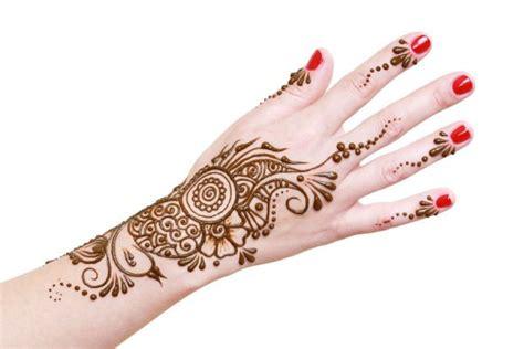c 243 mo quitar un tatuaje de henna