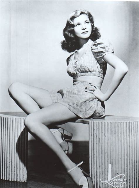 Betty Goes Vintage by 503 Best She S Got Legs Style Images On