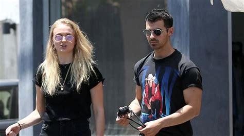 joe jonas tattoo did joe jonas just get a of his fianc 233 e