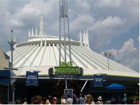 orlando/socal theme park showdown: space mountain vs