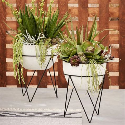 Garden Planter Stands by Plant Stand Style With A Modern Twist