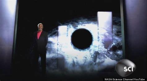 wormhole freeman actor freeman asks nasa astronauts about mars in