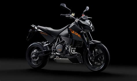 Ktm Duke 690 Black Ktm Duke Reviews Specs Prices Top Speed