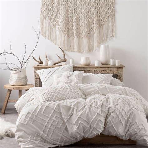 details  brand  linen house sanura white duvet