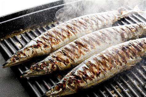 cucinare pesce alla brace pesce di stagione ecco la lista divisa per mese