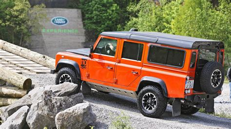land rover experience defender land rover defender im experience center w 252 lfrath
