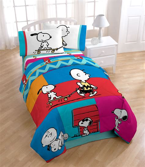 peanuts bedding sweet dreams with snoopy and charlie brown comforter set
