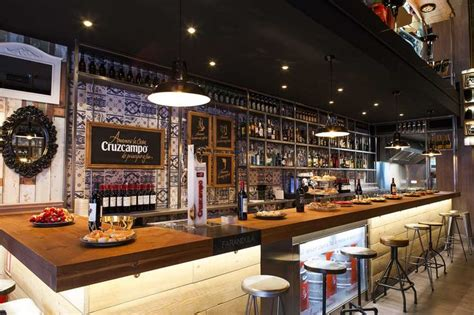 imagenes de restaurantes retro im 225 genes de la barra de bar del restaurante far 225 ndula