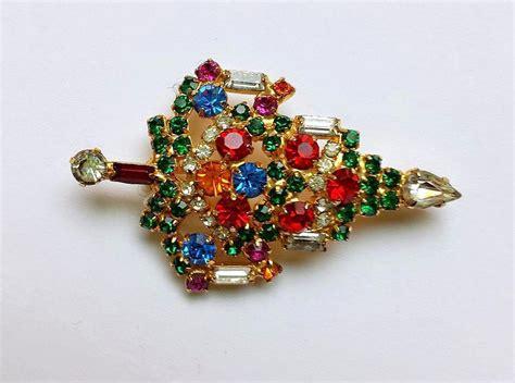 signed warner rhinestone christmas tree brooch earring set