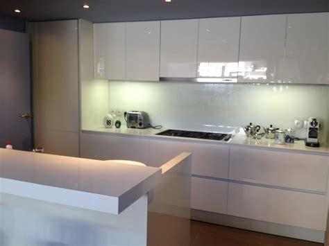 cuisine laqué blanc idee chambre noir et blanc