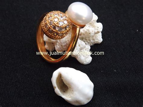 Giwang Rhodium Mutiara Shell 14 Mm cincin mutiara lombok crmt 14 jual mutiara lombok murah