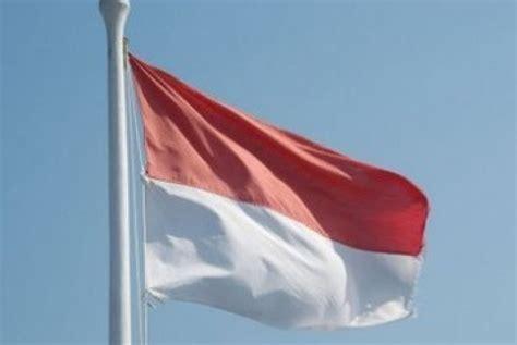 bendera merah putih vocal anak anak lima anak nekat turunkan bendera merah putih di pn