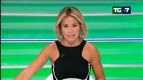 Fantoni L by Giornalista Cade In Diretta Tv Imbarazzo In Studio Quot Sono