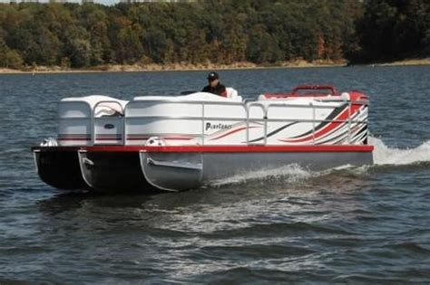 playcraft pontoon dealers playcraft powertoon 2500 pontoon deck boat magazine