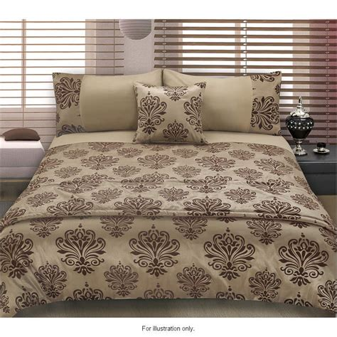 b m wiltshire double bed 319198 b m b m gt damask flocked 5 piece bed in a bag double 287421