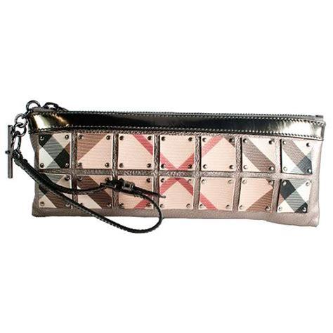 Burberry Patent Ashcombe Clutch Handbag by Burberry Plate Ashcombe Clutch
