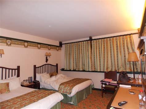 chambre golden forest h 244 tel disney disney s sequoia lodge