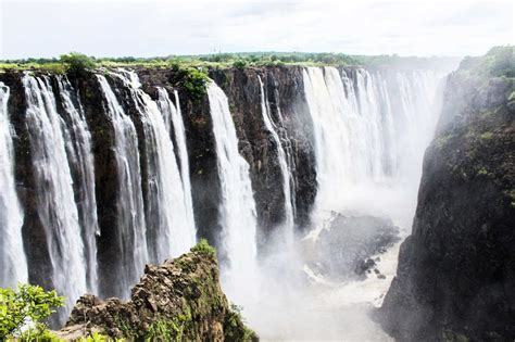 famous waterfalls in the world top 10 waterfalls in the world biggest tallest