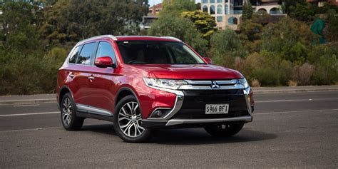 mitsubishi sports car 2016 2016 mitsubishi outlander exceed review photos caradvice