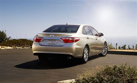 Best Fuel Economy Hybrid Cars by How To Get The Best Fuel Economy From A Hybrid Car