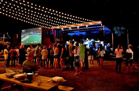The Backyard Bar And Grill by Bbsg Picture Of The Backyard Bar Stage And Grill Waco