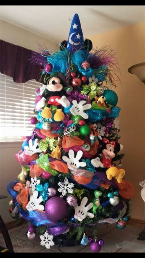 disney theme christmas decorations best 25 mickey mouse tree ideas on disney decorations disney