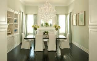 White Chandelier Dining Room Trend