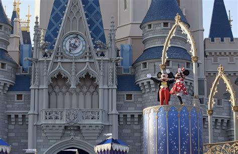 disney world cinderella castle orlando florida mickey mouse minnie mouse hd wallpaper