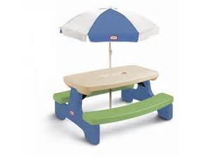 tikes easy store picnic table with umbrella