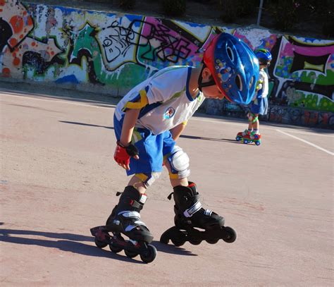 imagenes niños patinando rolleando escuela de patinaje en madrid beneficios del