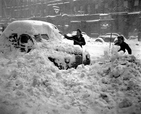 worst blizzard ever recorded 12 historic photos of the world s most formidable snowstorms