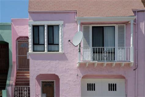 Hängematte Am Balkon Befestigen by Satellitensch 252 Ssel Auf Dem Balkon Anbringen Das Ist Zu