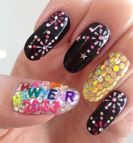 nail design for new year 2013 happy new year 2013 nail gallery
