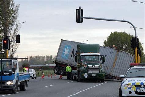 truck today chch today truck blocks northern motorway stuff co nz