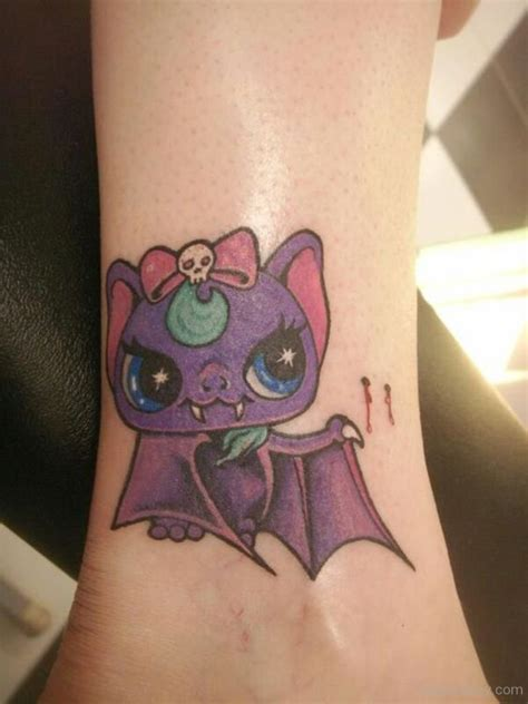 cute halloween tattoos bat tattoos designs pictures page 5