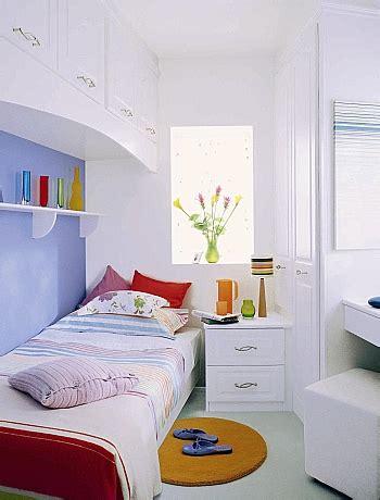 Decorating Ideas For Small Bedroom With Beds Idei Pentru Un Dormitor Mic Amenajarea Casei