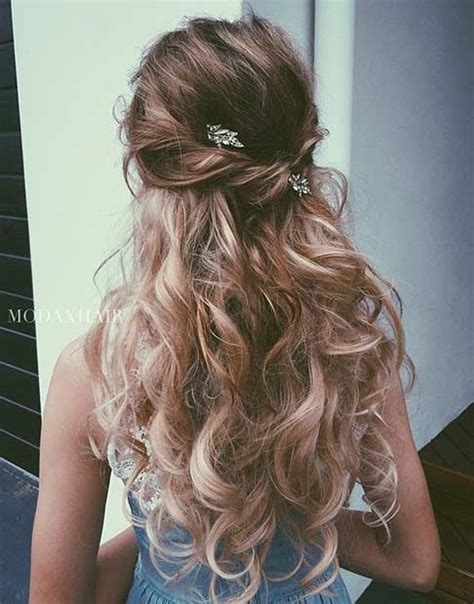 Bridesmaid Hairstyles For Medium Curly Hair by 31 Half Up Half Hairstyles For Bridesmaids Page 2