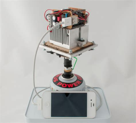 charge your smartphone with make