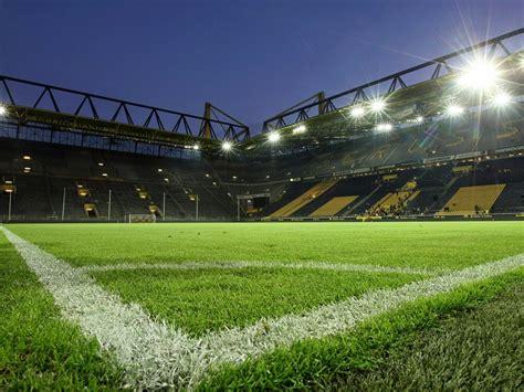 beleuchtung rasen stadion flitzer alarm im signal iduna park
